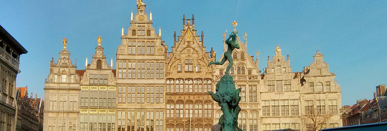 Rapid sightseeing in Antwerp Yakuzuzu
