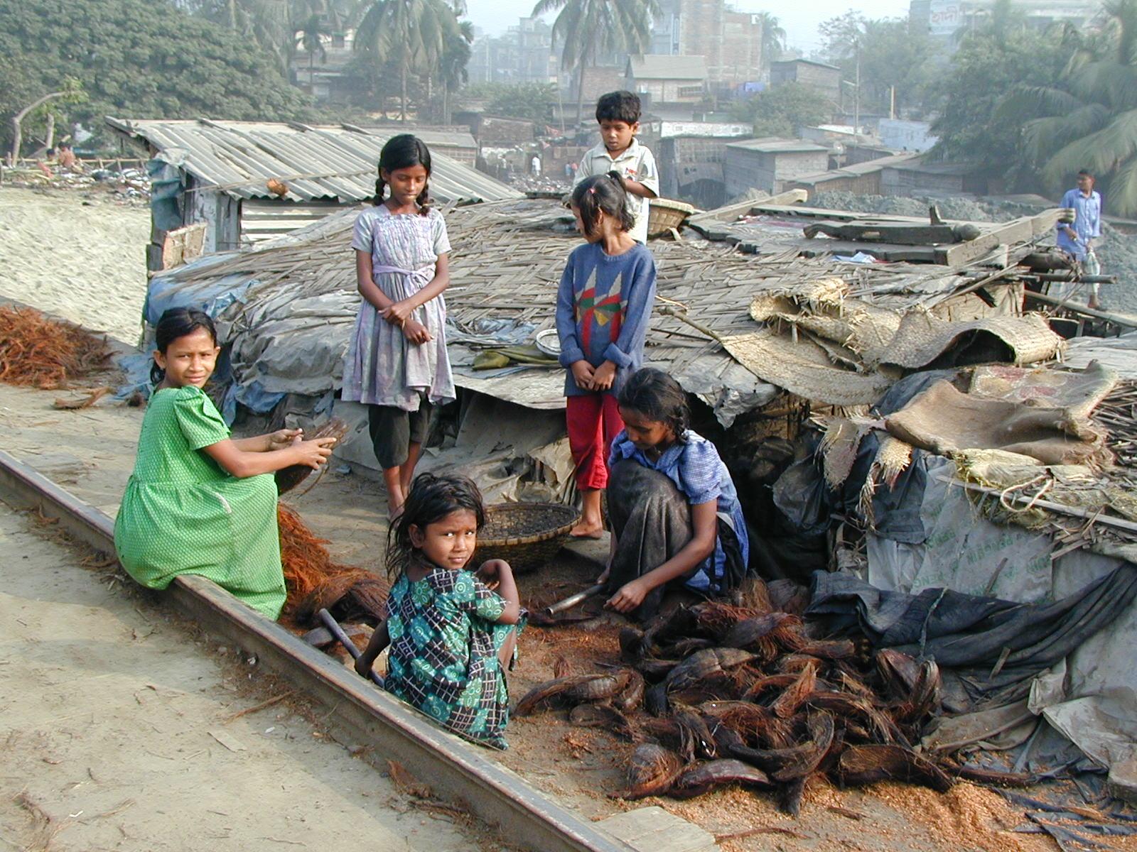 Leben-im-Slum-Dhaka-Bangladesch.jpg